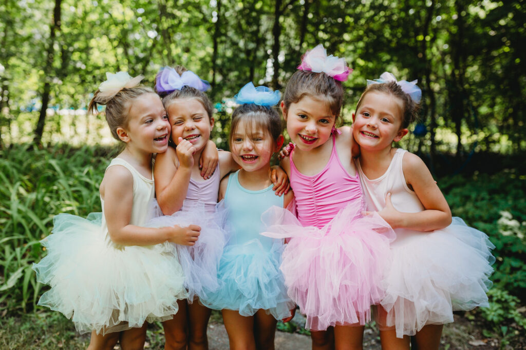 DIY Tutu Hair Bows on the Girls