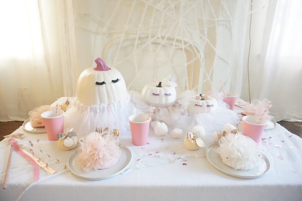 Prancing Pumpkins Tablescape Tutorial finished