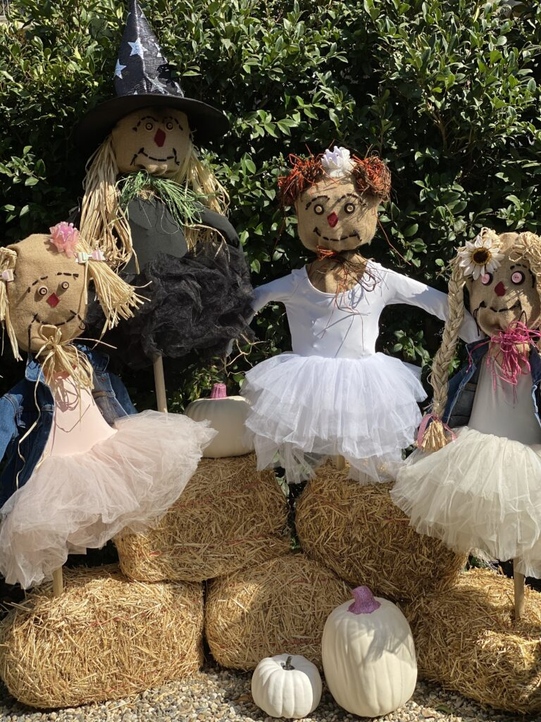 Plum Perfect DIY Scarecrows finished