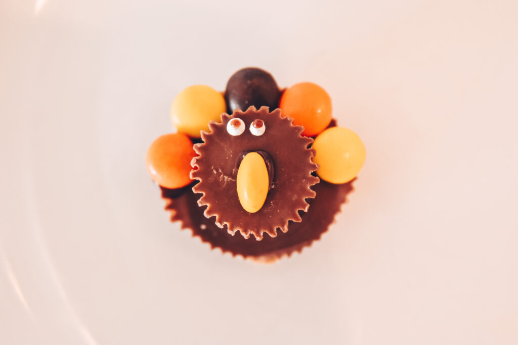 Easy DIY Candy Turkeys Step 4